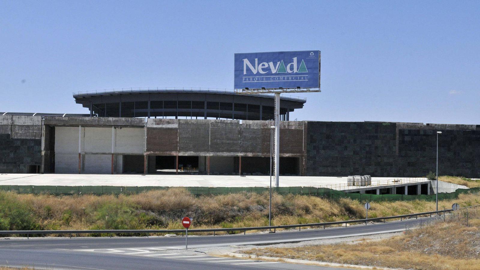 Foto: Centro comercial Nevada, en Armilla, Granada, cuando se paralizaron sus obras en 2011. (EFE)