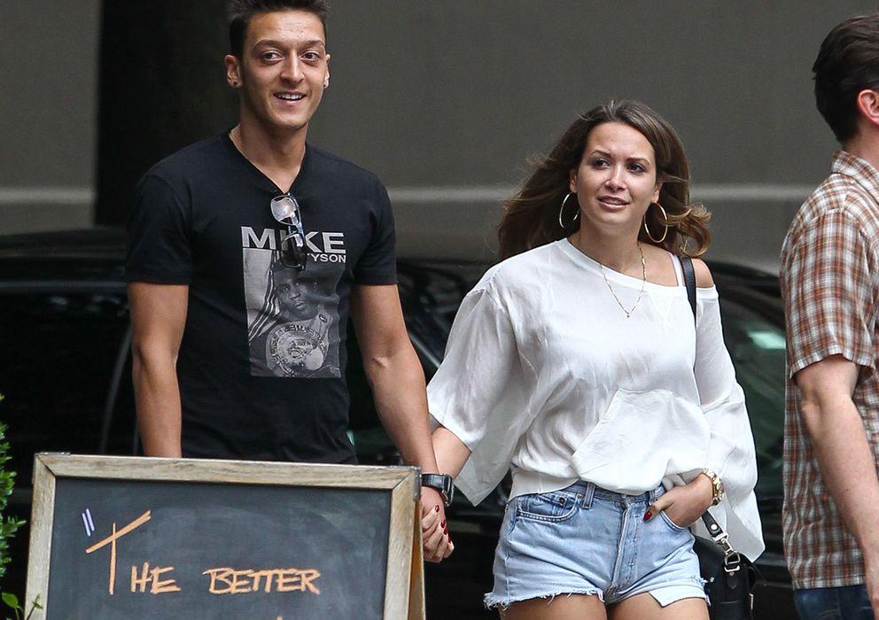Foto: Mesot Özil y Mandy Capristo en una imagen de archivo (Gtres)