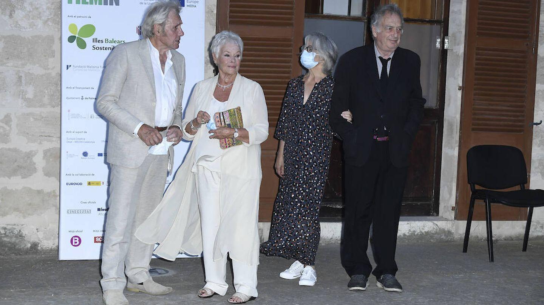 Judi Dench y Stephen Frears a su llegada al festiva. (Limited Pictures)
