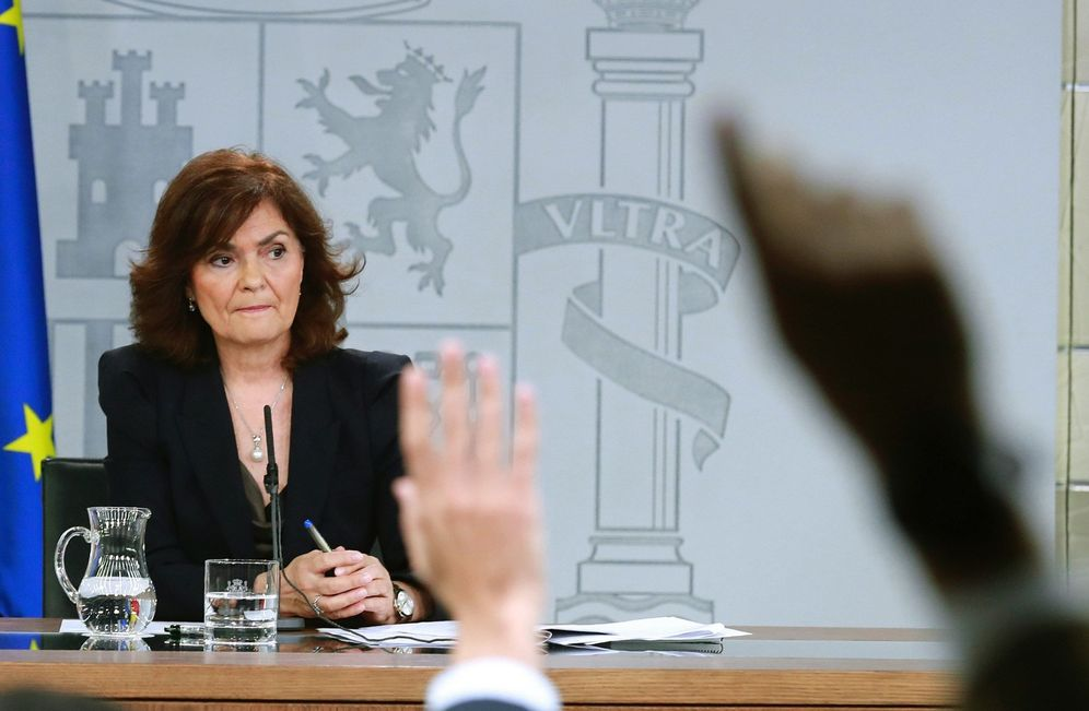 Foto: La vicepresidenta del Gobierno, Carmen Calvo, durante la rueda de prensa posterior al Consejo de Ministros de este 30 de noviembre. (EFE)