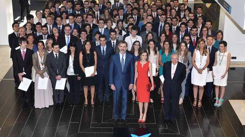 Más de 5.000 estudiantes e investigadores han recibido becas de 'la Caixa'