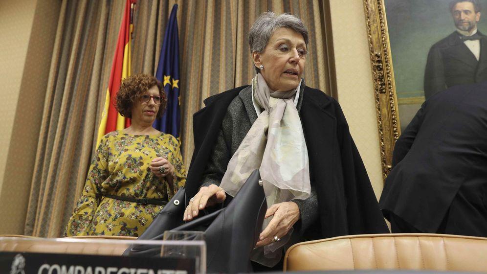 Foto: La administradora provisional única para la Corporación RTVE, Rosa María Mateo, durante su comparecencia. (EFE)