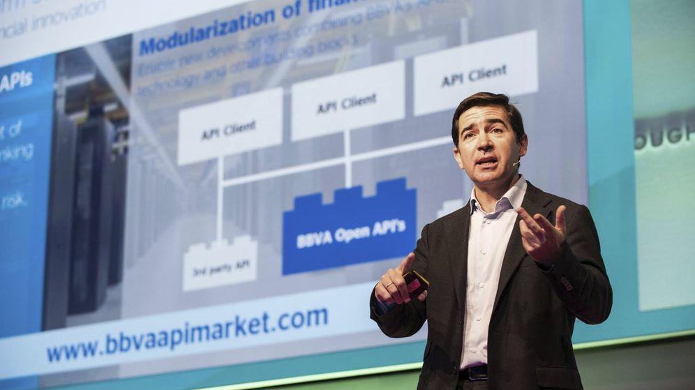 Foto: El consejero delegado de BBVA, Carlos Torres, durante su intervención en Copenhague. (EFE)