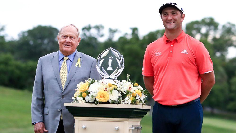 Foto: Rahm, con Jack Nicklaus y el trofeo del Memorial Tournament. (Reuters)