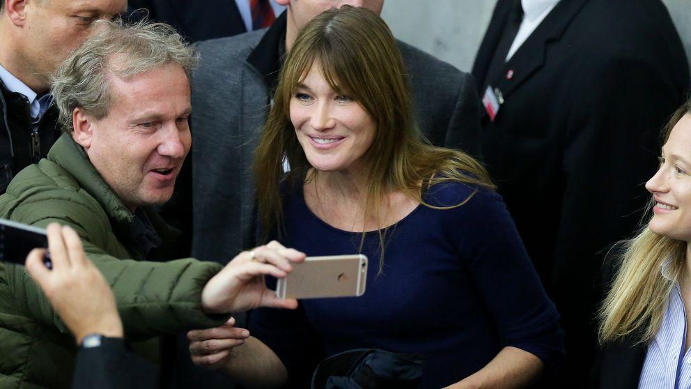 Carla Bruni ya ejerce de primera dama de Francia