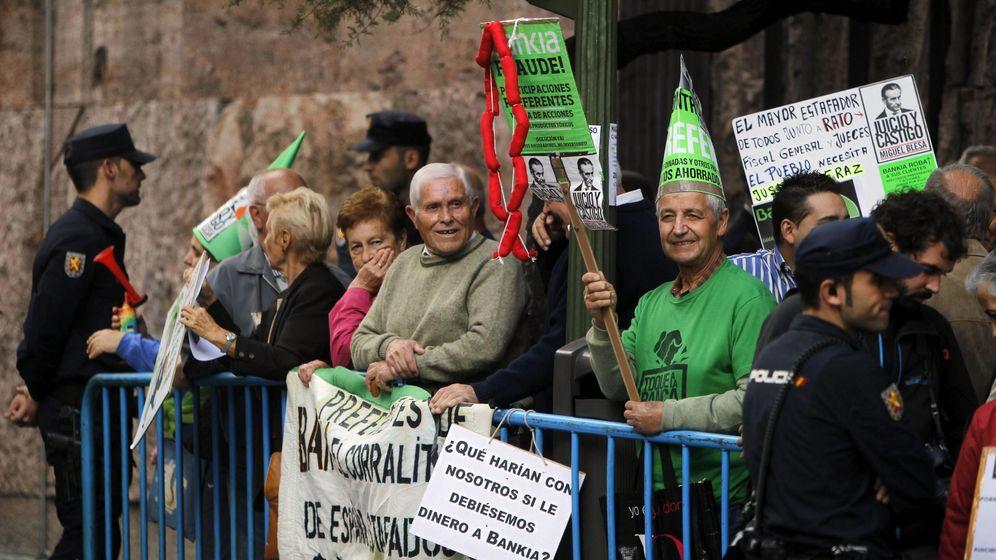 Foto: Protesta de afectados por las preferentes. (EFE)