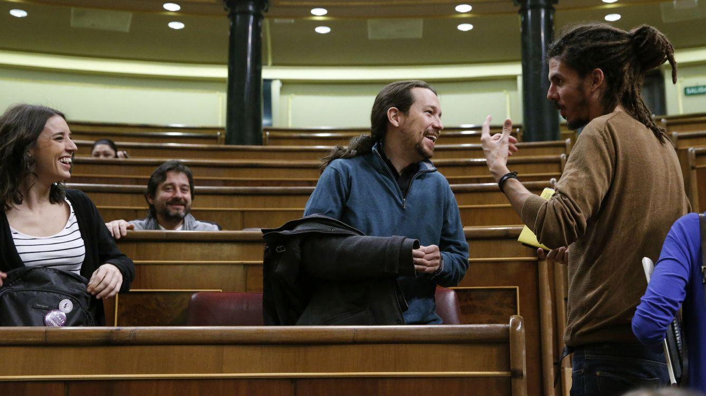 Piedras y amenazas al obispo: el informe que regresa del pasado y cerca al dos de Podemos