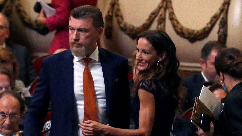 Telma Ortiz y el abogado Robert Gavin. (EFE)