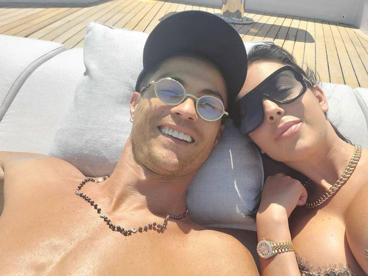 Foto: Cristiano y Georgina a bordo de su barco. (Instagram)