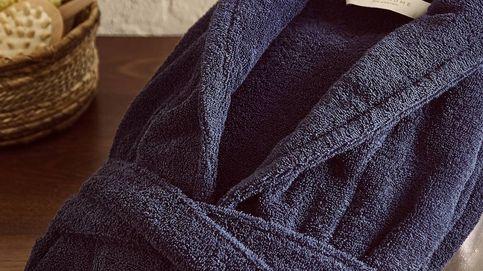 Zara Home tiene este albornoz de algodón orgánico para convertir tu casa en un spa