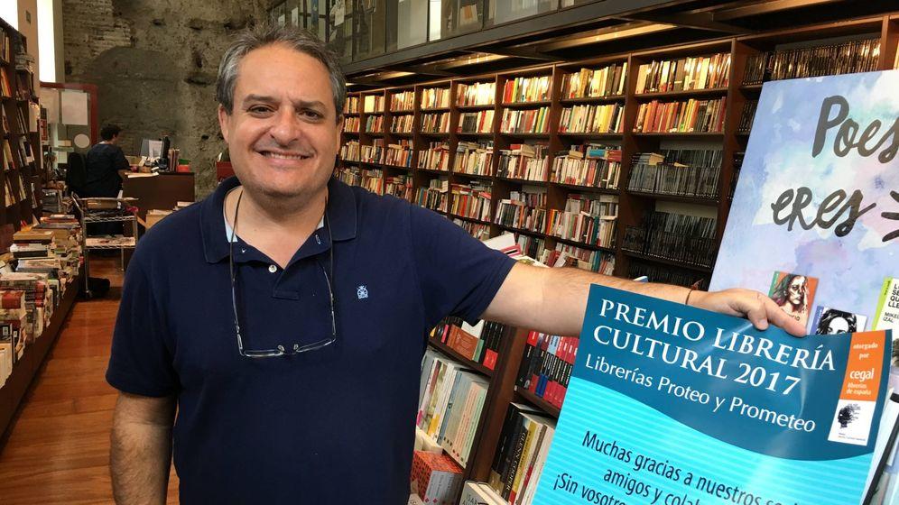 Foto: Jesús Otaola, director de la librería Proteo de Málaga (Agustín Rivera).