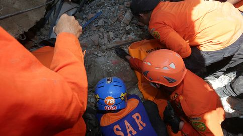 Al menos 92 muertos en un terremoto de 6,5 grados en Indonesia