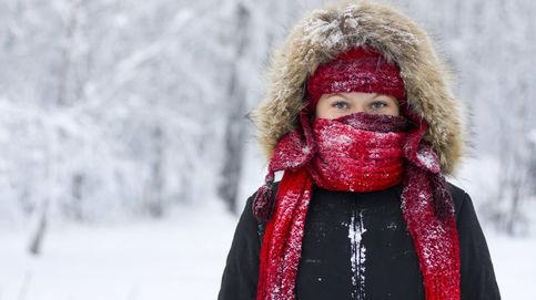 La razón científica por la que las mujeres suelen tener más frío
