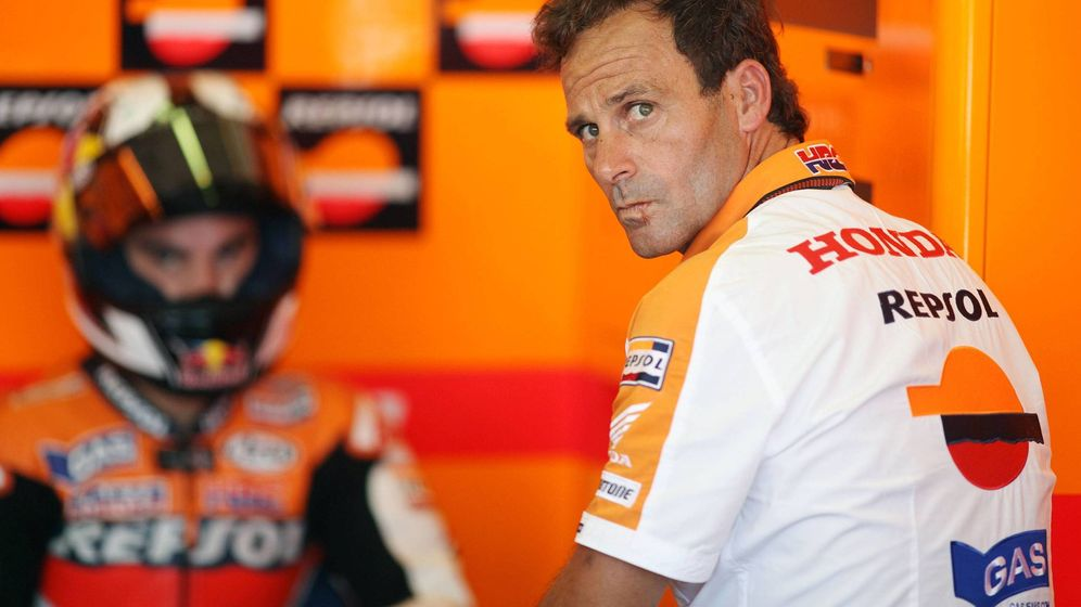 Foto: Pedrosa y Puig en el box de Honda. (Imago)