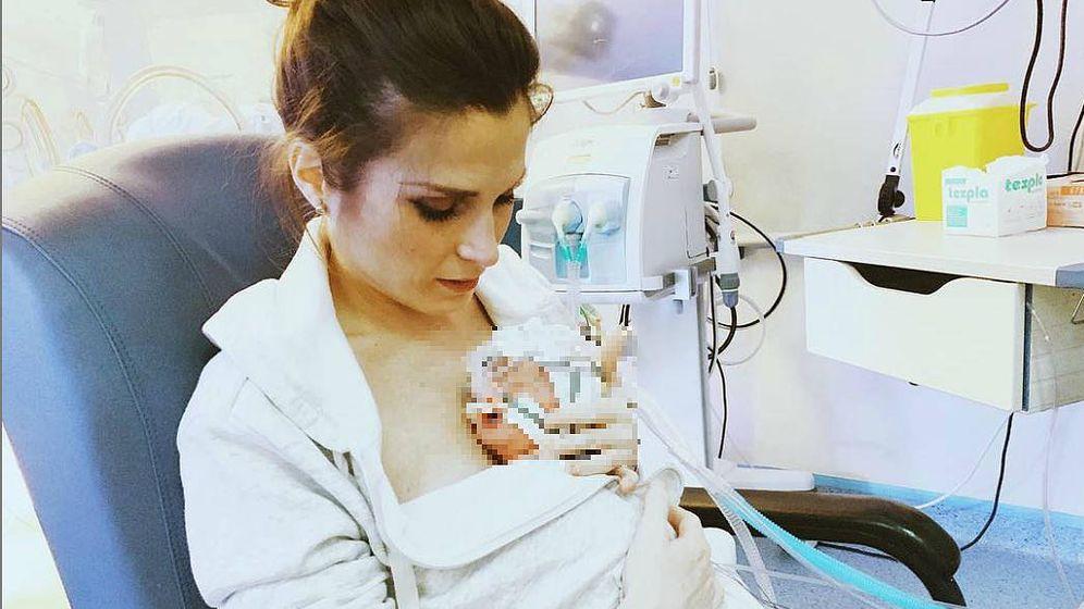 Foto: Verdeliss con su bebé. (Instagram)