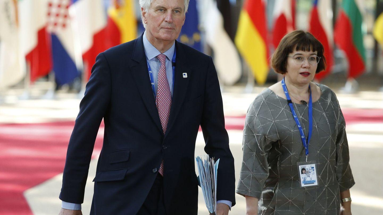 Sabine Weyand junto a Barnier durante la anterior fase de negociación. (EFE)