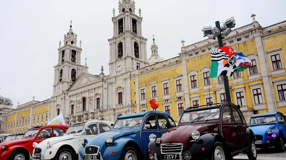 Foto: Hasta 2.000 unidades del mítico 2CV se dieron cita en Portugal.
