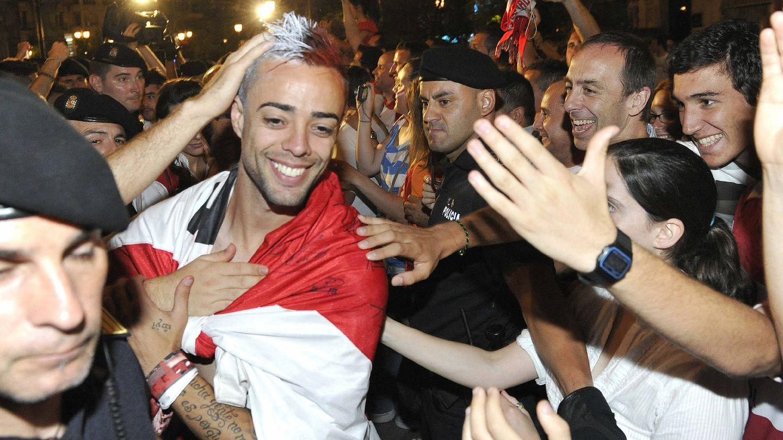 Dani Benítez, celebrando el ascenso a Primera