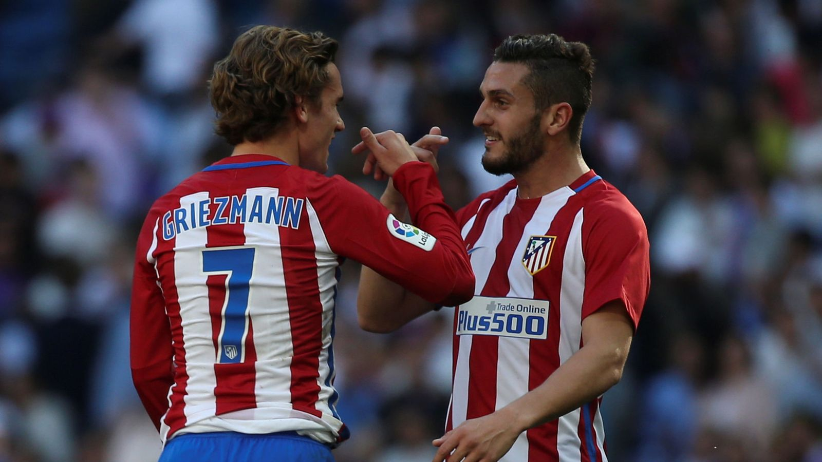 Foto: Koke y Griezmann conversando durante un partido. (Reuters)