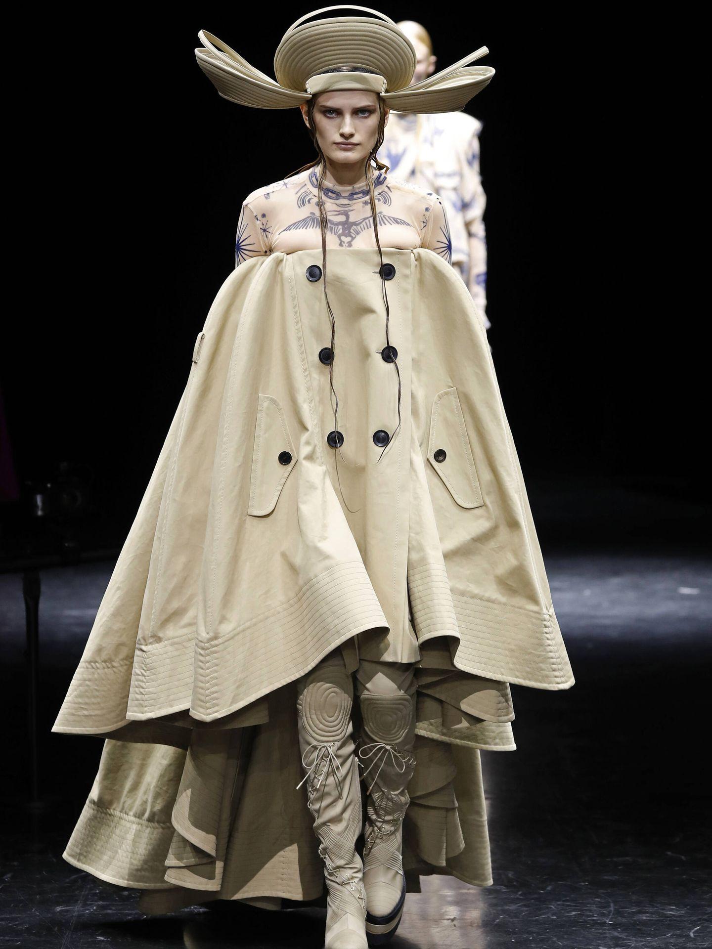 Uno de los diseños más comentados del desfile de Jean Paul Gaultier. (Getty)