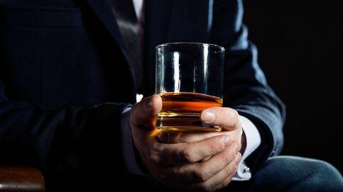 Los hombres y mujeres que ocupan altos cargos consumen más alcohol
