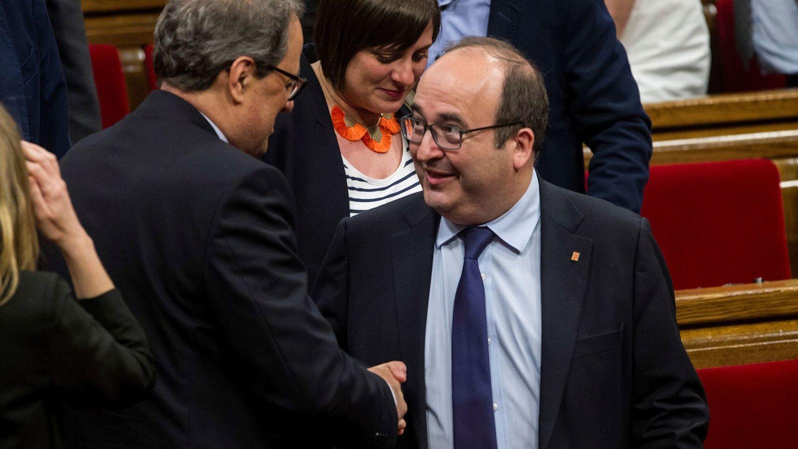Foto: El presidente de la Generalitat, Quim Torra (i), saluda al primer secretario del PSC, Miquel Iceta. (EFE)