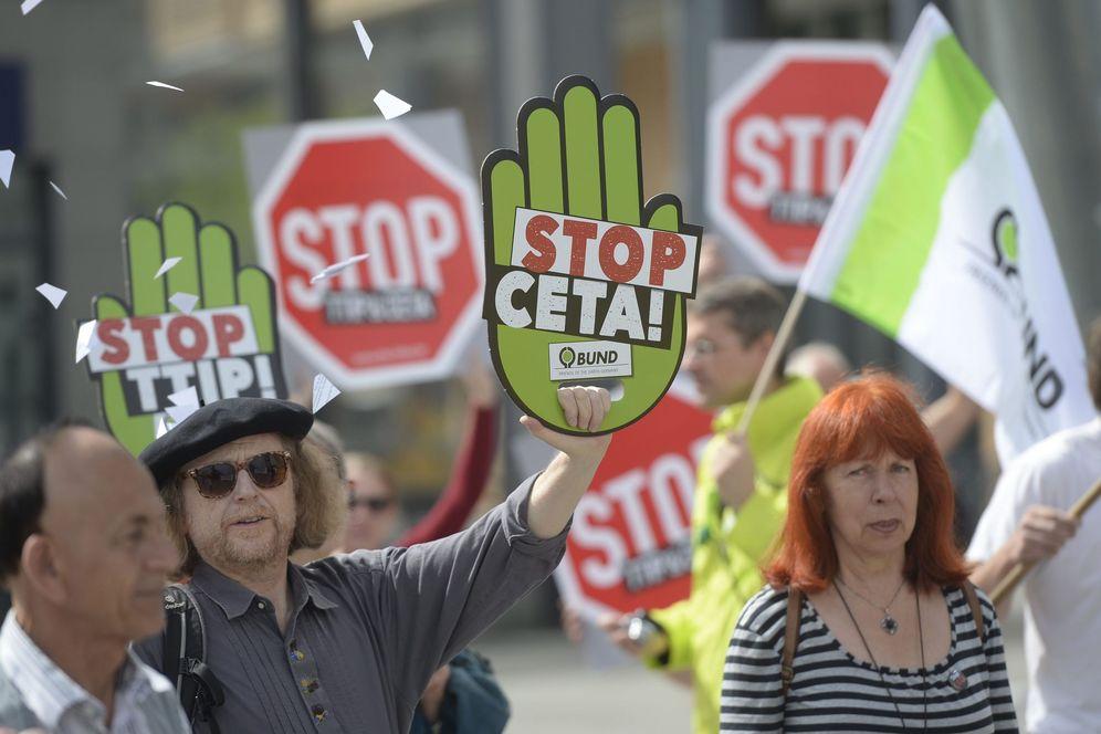 Foto: Protestas en Berlín contra el Tratado de Libre Comercio entre EEUU y la UE. (EFE)