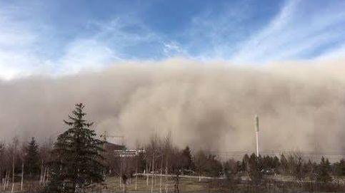 Así sepulta una tormenta de arena una ciudad china