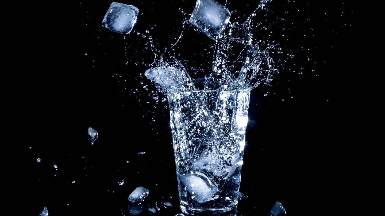 Una dieta del agua extrema es peligrosa para la salud. (Lanju Fotografie para Unsplash)