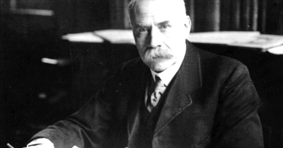 Foto: El compositor Edward Elgar, autor del código Dorabella