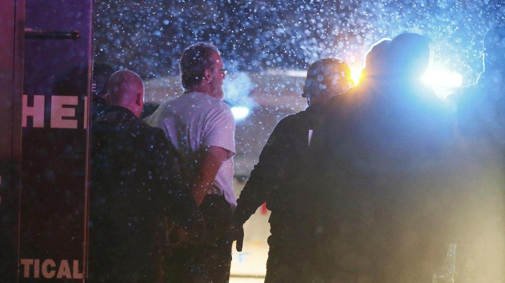 Foto: El sospechoso detenido después de abrir fuego contra la clínica. (Reuters)