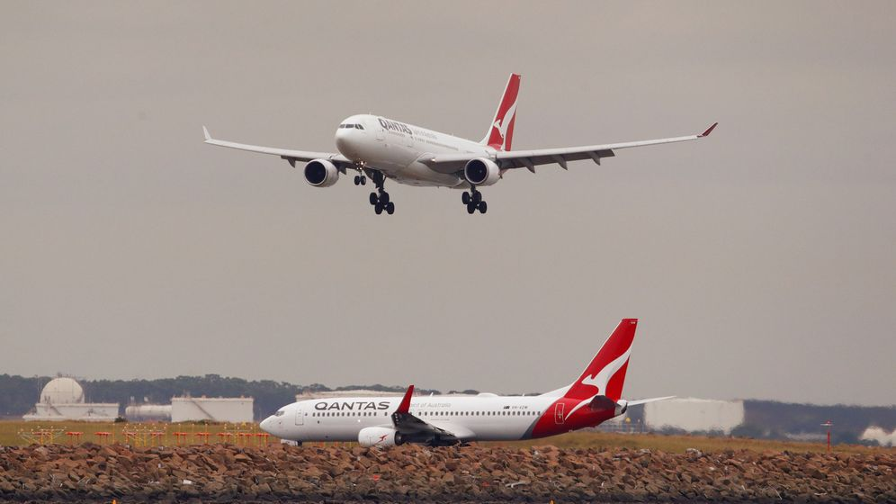 Foto: Un avión de la aerolínea Qantas, a punto de aterrizar. (Reuters)