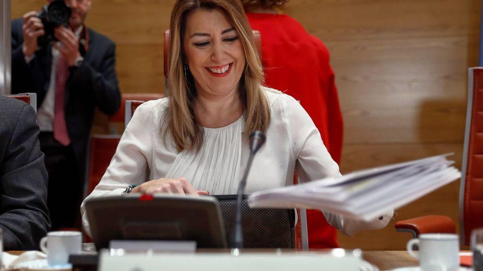 Foto: La presidenta de la Junta, Susana Díaz, durante su comparecencia. (EFE)