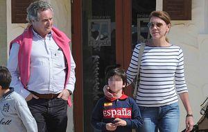 Cospedal y su familia pasan el fin de semana en Doñana invitados por Arias Cañete