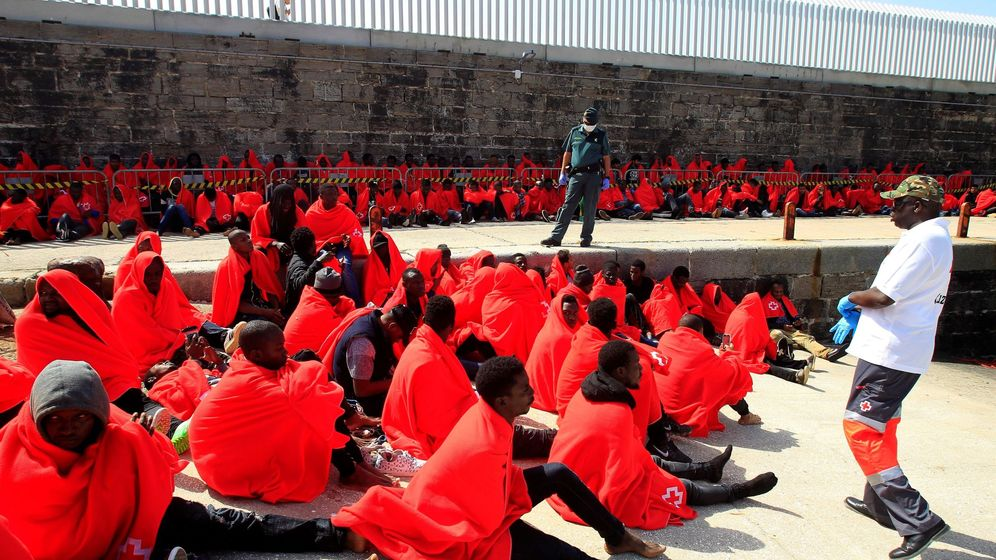 Foto: Inmigrantes rescatados en el Estrecho y el mar de Alborán. (EFE)