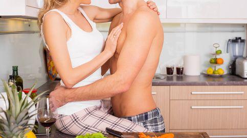 Las mejores posiciones para tener sexo muy placentero en la cocina