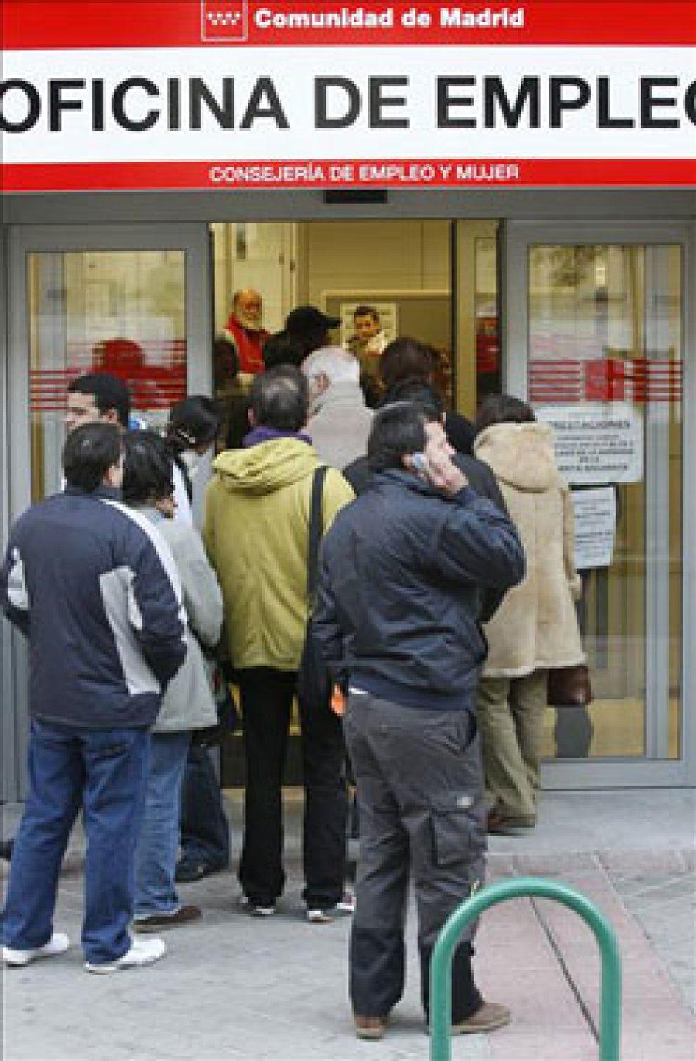 Febrero cierra con casi parados al d a y la for Oficinas de la seguridad social en madrid