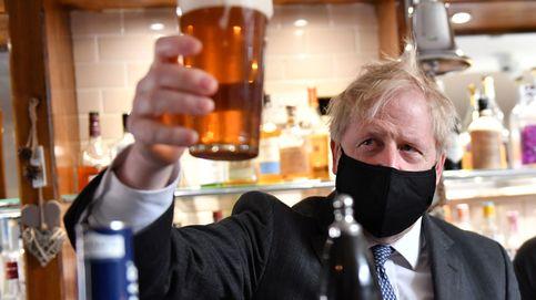 Boris y el 'pasaporte covid': cuando la exitosa campaña de vacunación no es suficiente