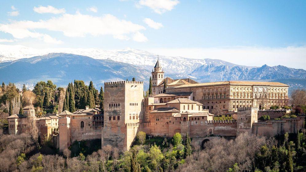Foto: Vista general de la Alhambra de Granada. (Unsplash)
