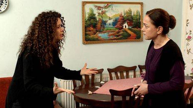 Dos de las protagonistas de 'Mujer'. (Antena 3)