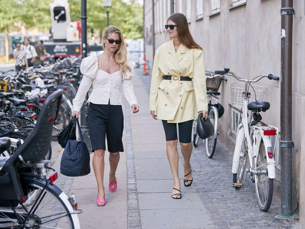 Foto: Compra ya las sandalias planas que llevarás todo el verano. (Imaxtree)