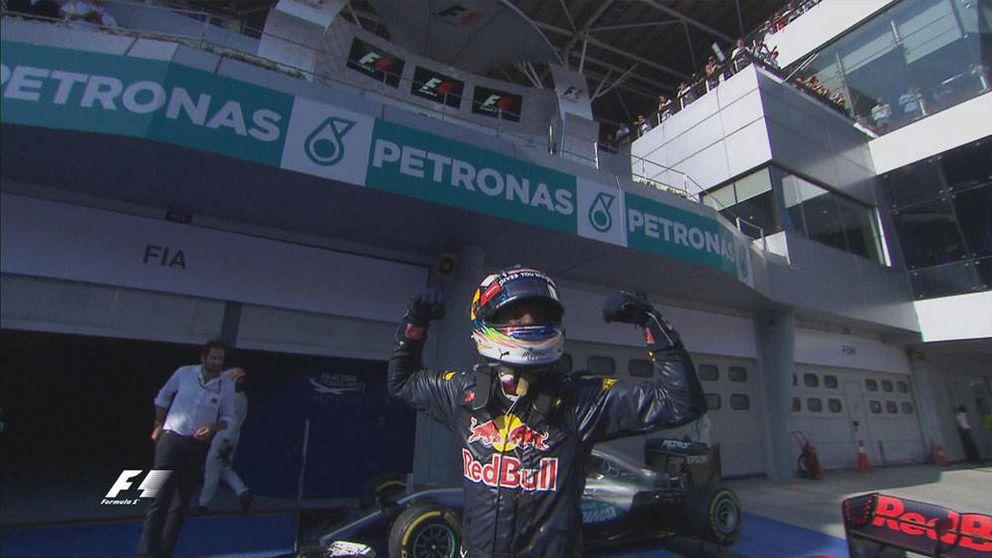 Ricciardo gana, Alonso séptimo y Hamilton abandona entre llamas