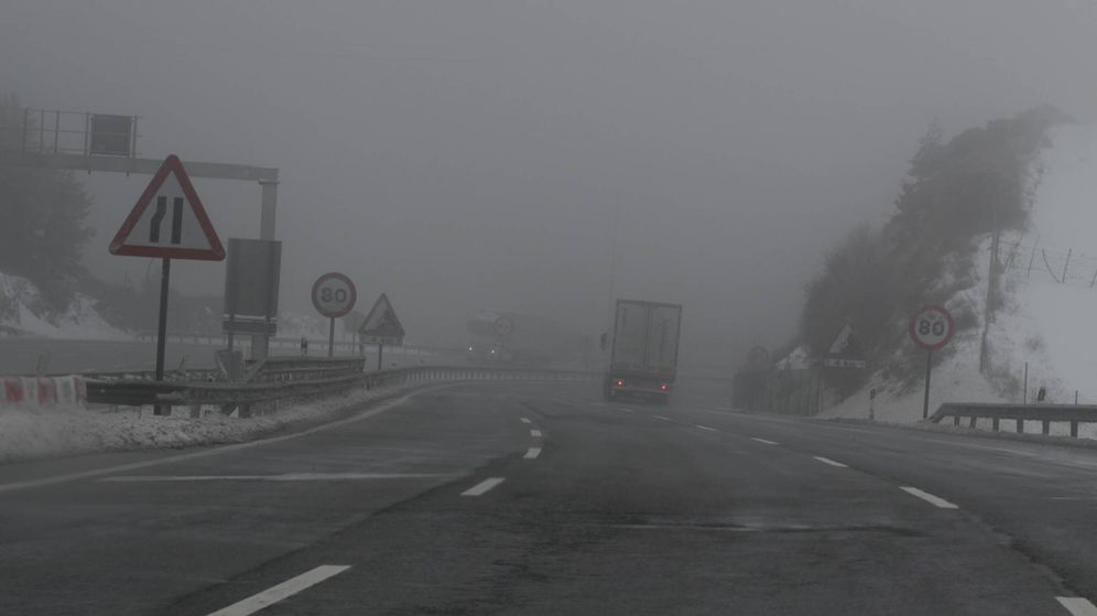 Foto: Frio, escasa visibilidad, nieve, en invierno la conducción es más difícil, y hay que conducir con más suavidad y sin prisas.