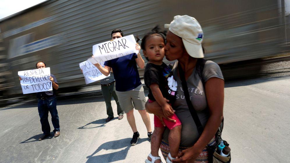Foto: Activistas e inmigrantes centroamericanos participan en un acto de concienciación en Monterrey, México, el 28 de mayo de 2017. (Reuters)