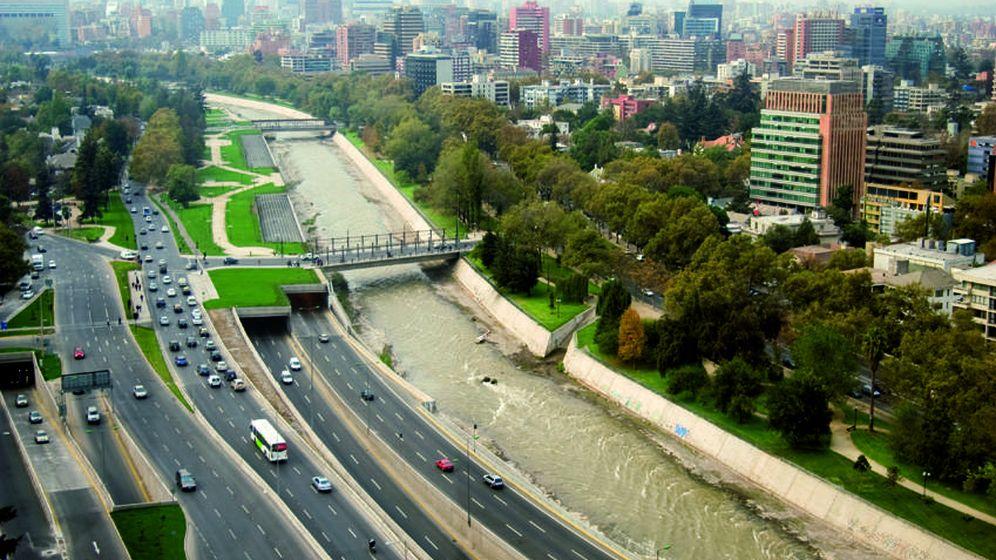 Foto: Imagen de la Costanera Norte en Chile, construida por Autostrade per l'Italia, controlada por Atlantia.