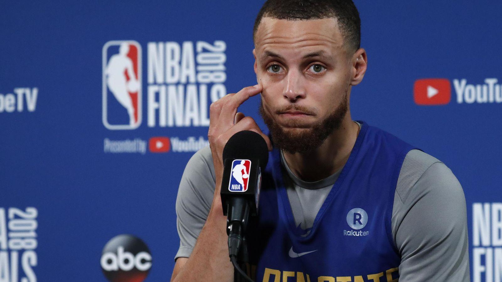 Foto: Stephen Curry lleva toda su carrera jugando con problemas en la vista. (EFE)