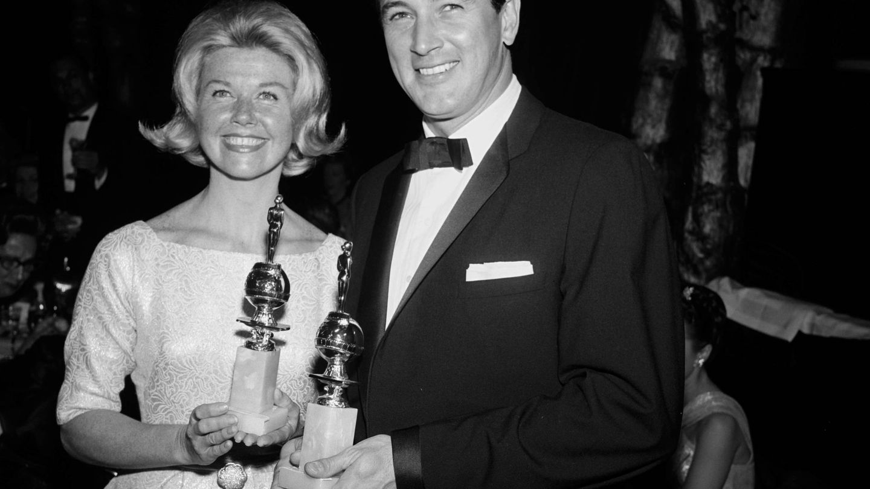 Junto a Rock Hudson, su mejor pareja profesional, en 1961. (Cordon Press)