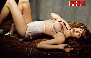 Foto: Úrsula Corberó se desnuda para FHM