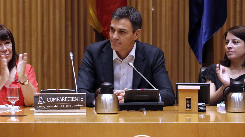 Pedro Sánchez, con Adriana Lastra y Cristina Narbona, el pasado 20 de junio en el Congreso. (EFE)