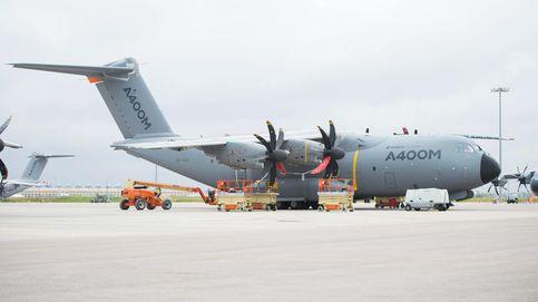 Defensa retira el permiso de vuelo a los A-400M en producción en Sevilla